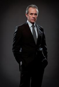 Meglio giacca e cravatta alla cotta di maglia di ferro