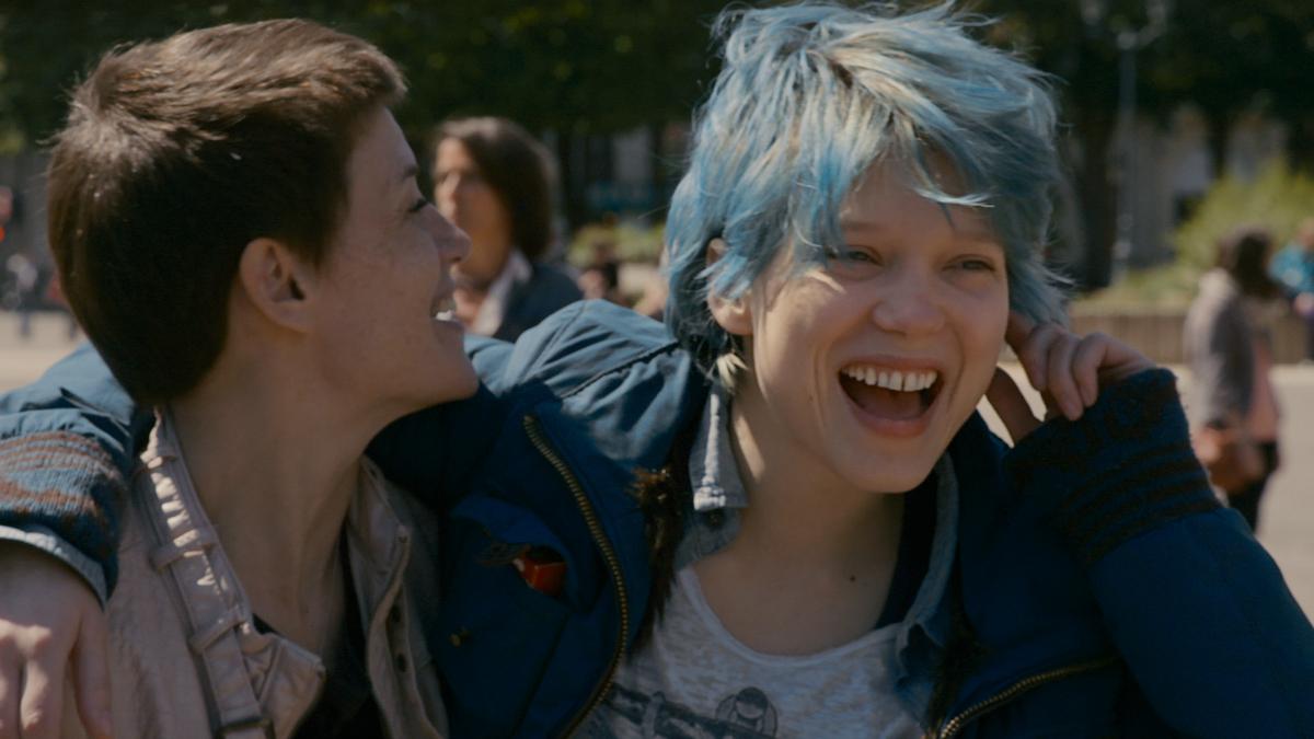 Ha i capelli blu ma non è Satomi dei Beehive