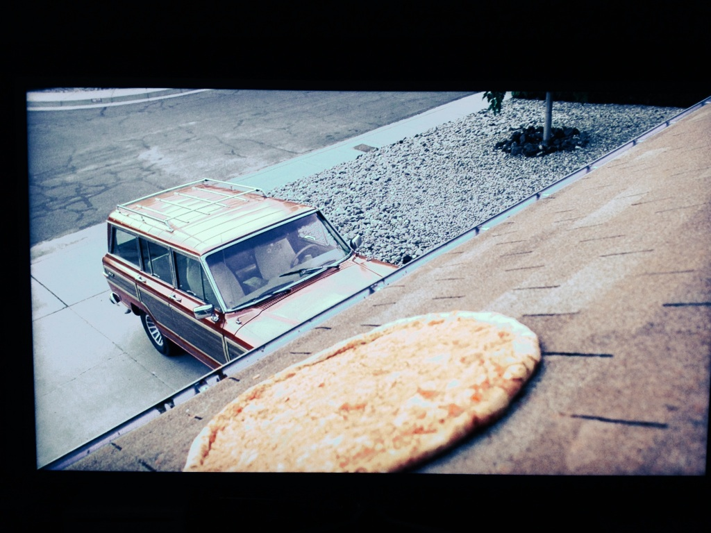 Breaking Bad 3 la pizza sul tetto