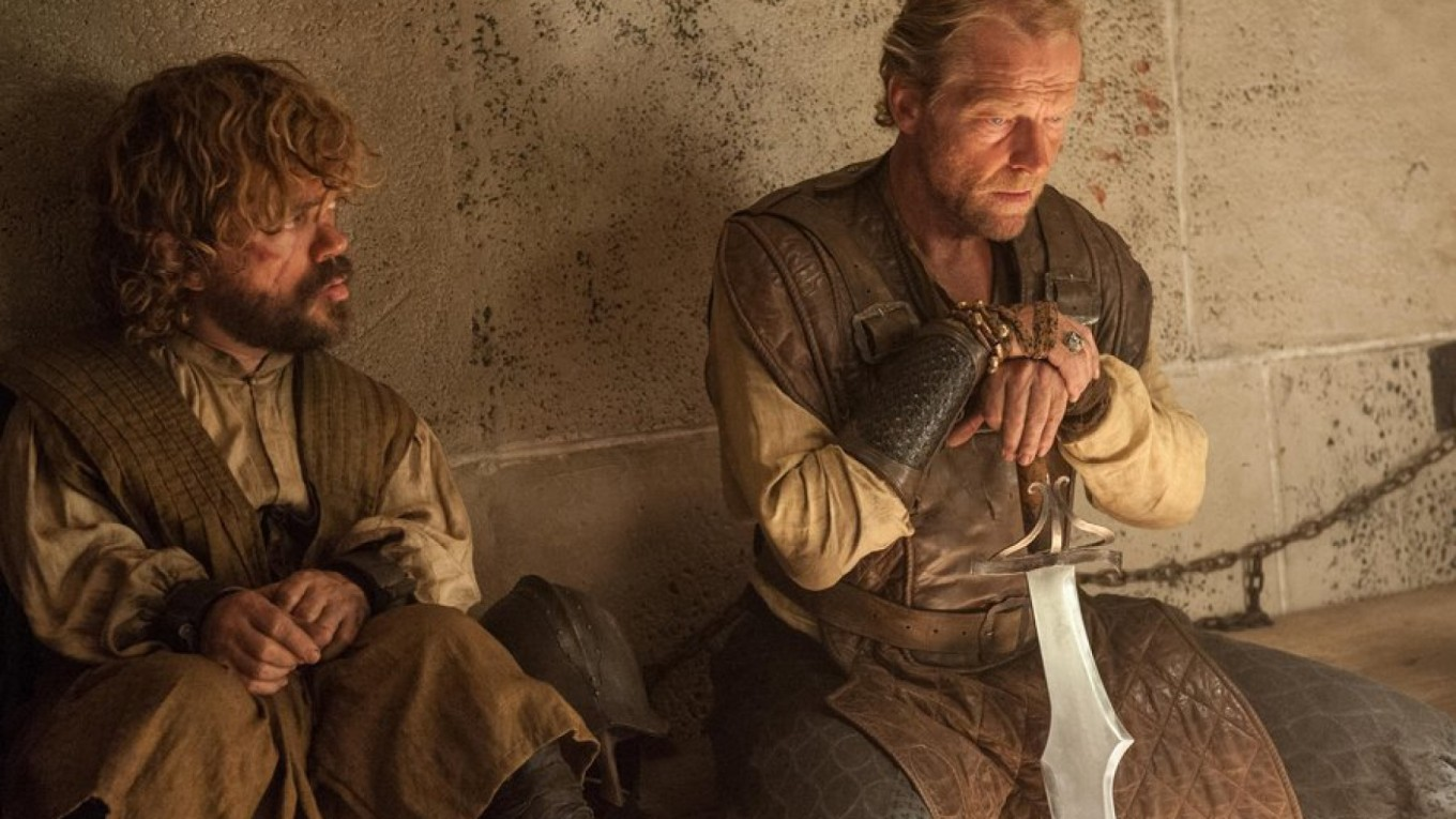 game-of-thrones-episode-7-the-gift-tyrion-jorah-1748x984