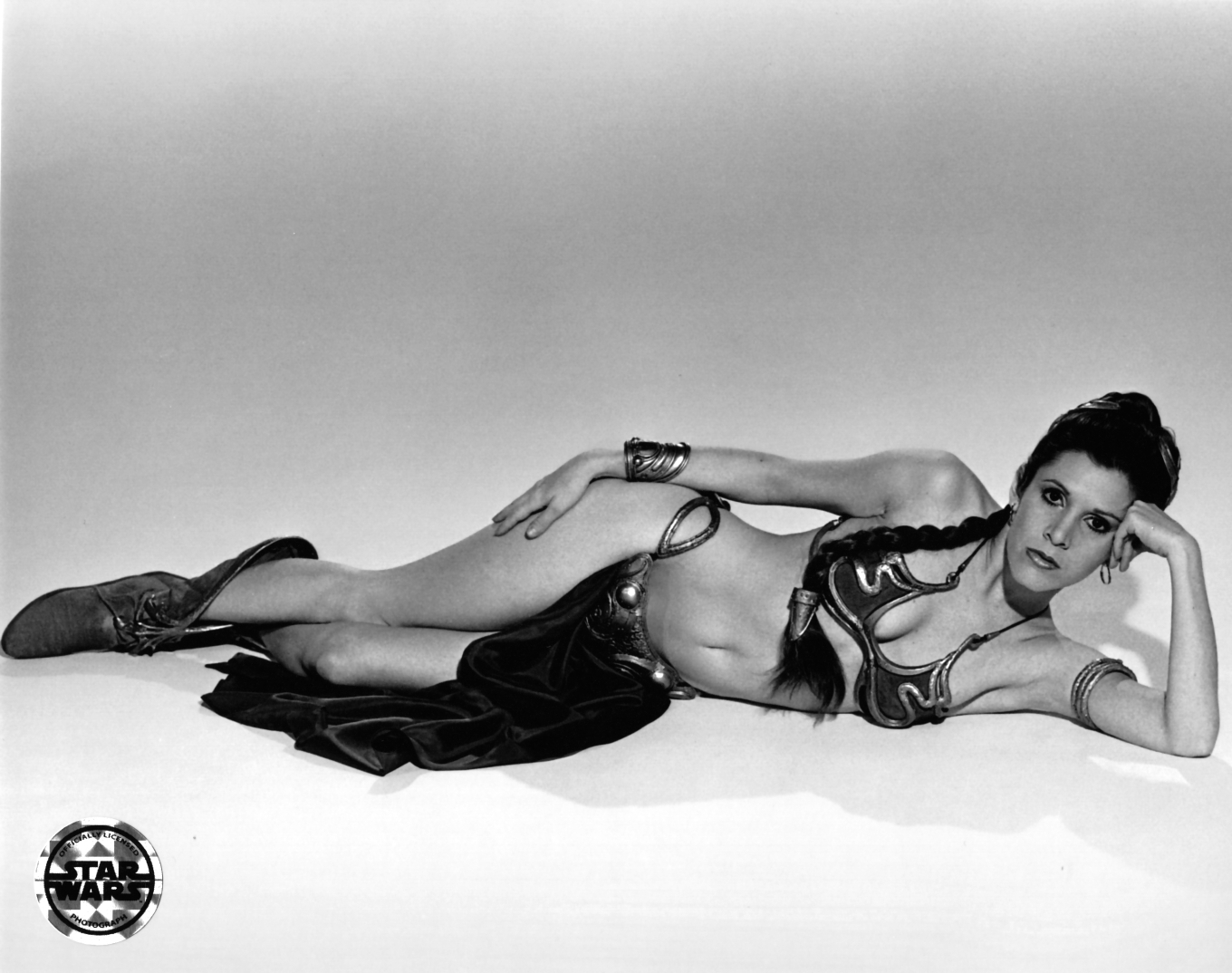 Rare-Slave-Leia-Images-star-wars-35052779-2880-2276