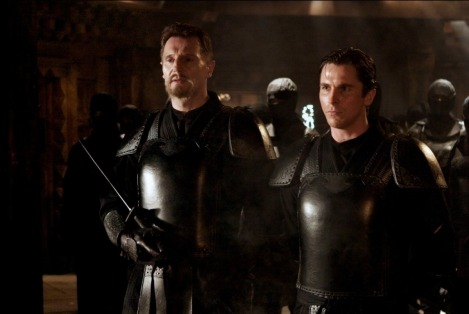 Prima di iniziare la lavorazione di Batman Begins, Christopher Nolan fece vedere a tutto il suo staff Blade Runner, spiegando che il suo Batman avrebbe dovuto assomigliare visivamente a quello. Batman Begins è il perfetto film in cui il protagonista passa attraverso le prove dell'iniziazione e diventa il supereroe.