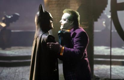 Jack Nicholson ha dichiarato che quello del Joker è stato uno dei personaggi che ha amato maggiormente interpretare. Per inciso, l'attore guadagnò 60 milioni di dollari per la parte, un record. Per interpretare Vicky Vale, Burton pensò a Michelle Pfeiffer, ma Michael Keaton, suo fidanzato all'epoca, considerò che la cosa non fosse opportuna. Allora il produttore Jon Peters suggerì Kim Basinger. Che fu presa e successivamente Peters e Basinger si misero insieme.