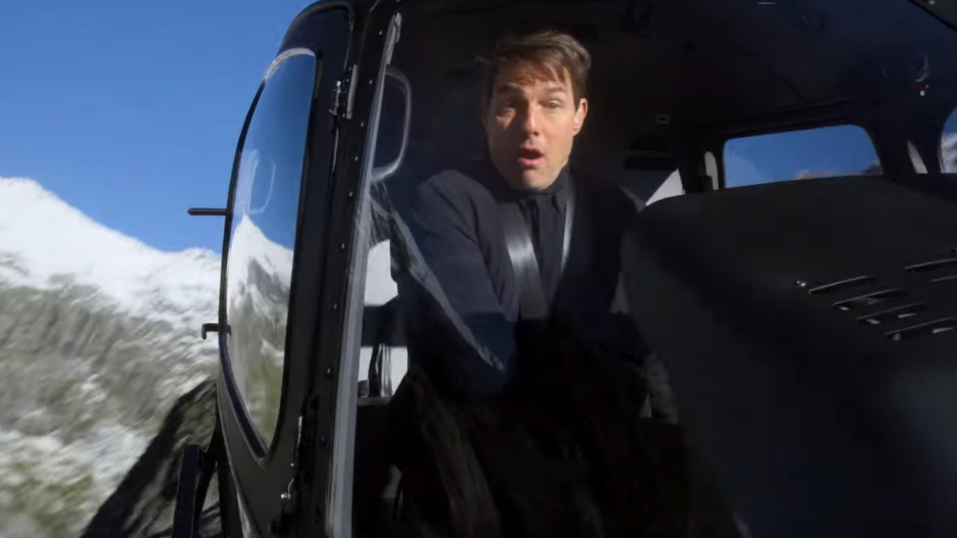 mission-impossible-fallout-helicopter-stunt-social